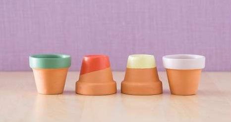 DIY terracotta saksı renkli yenileme